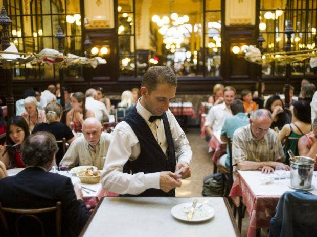 31-French-Waiter-AFPGet.jpg