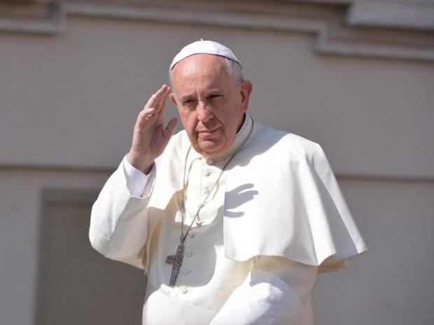 11-Pope-Salute-EPA.jpg