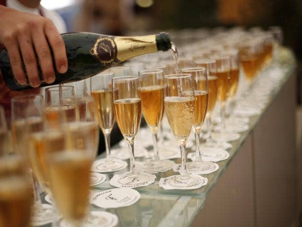 champagne-afp.jpg