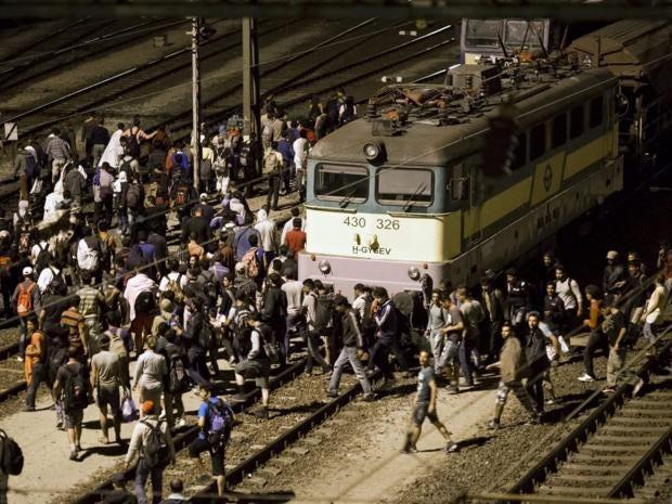 6-refugees-budapest-get.jpg