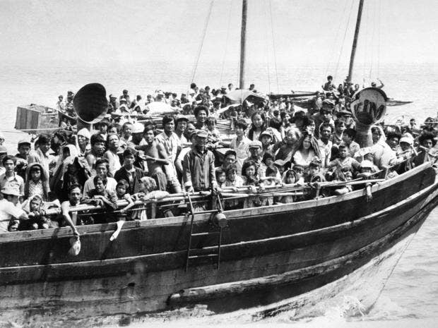 Vietnamese-boat-people2.jpg
