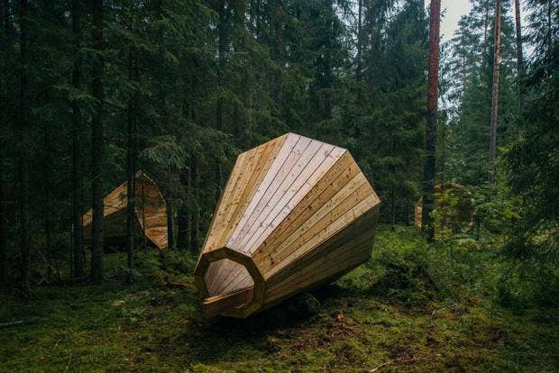 Estonian-students-build-amazing-unplugged-walk-in-megaphones-in-the-middle-of-nowhere5__880.jpg