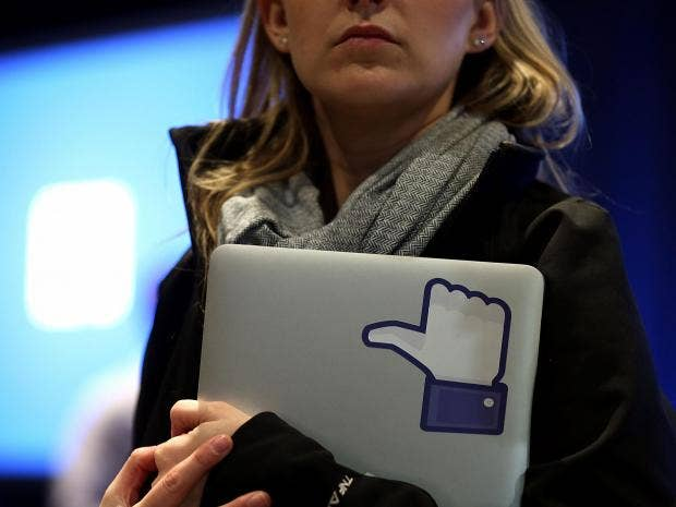 facebooklikewoman.jpg