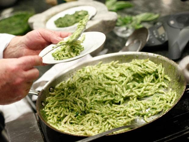 pg-24-pesto-getty.jpg