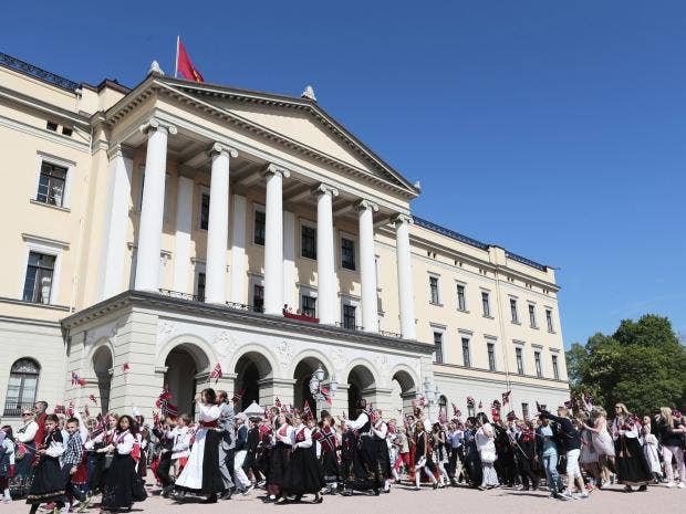 norway-royal-palace.jpg