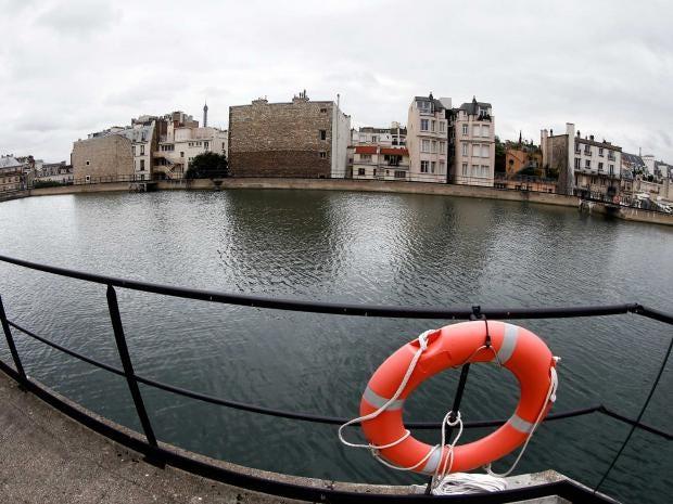 water-supply-paris.jpg