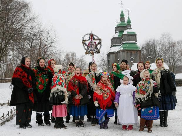 kiev-children-christmas-carols-reuters.jpg