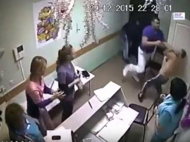 Russia-doctor-punches-patient.jpg