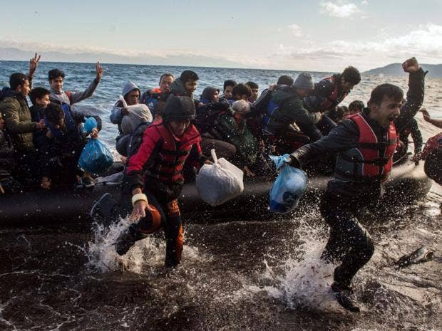 29-lesbos-refugees-epa.jpg