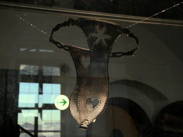 chastity-belt.jpg