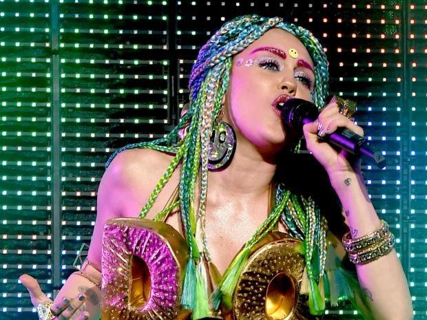 Miley-Cyrus-2.jpg