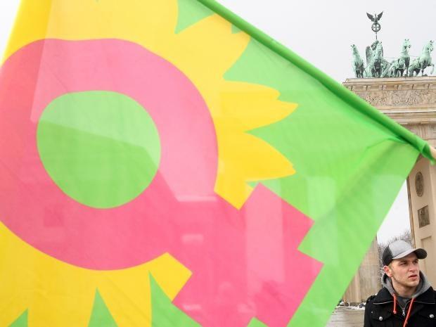 38-feminism-flag-get.jpg