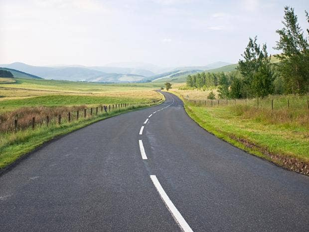 web-road-lines-empty-RF-istock.jpg