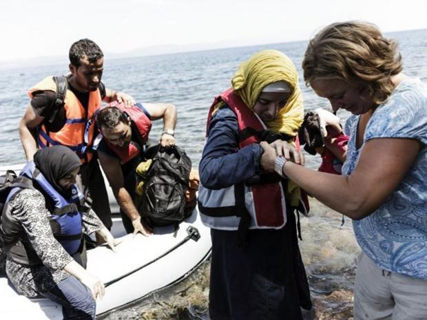 8-lesbos-refugee-afpget.jpg