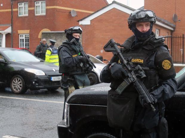 Armed-Dublin-police.jpg