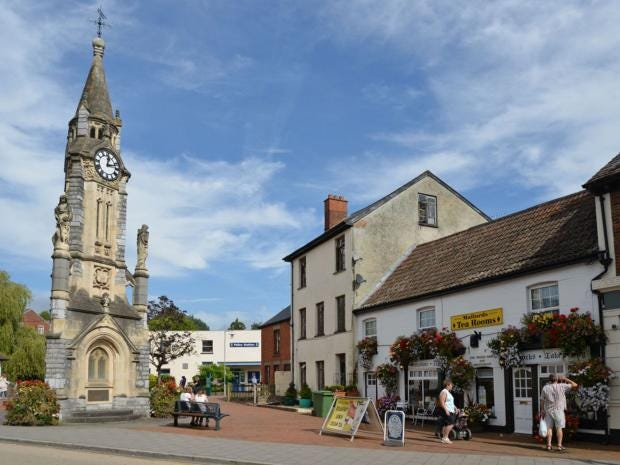 3-Tiverton-Devon-Alamy.jpg