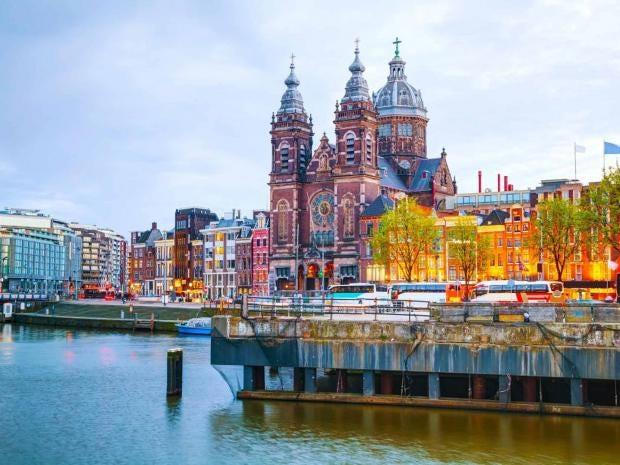 amsterdam-basilica-alamy.jpg