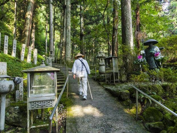 shikoku-temple-getty.jpg
