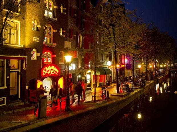 11-Red-light-district-in-Amsterdam-EPA.jpg