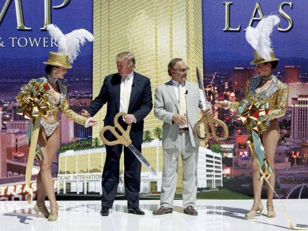 news world americas elections donald trump towers over rivals home territory vegas strip