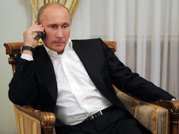 Vladimir-Putin-phone.jpg