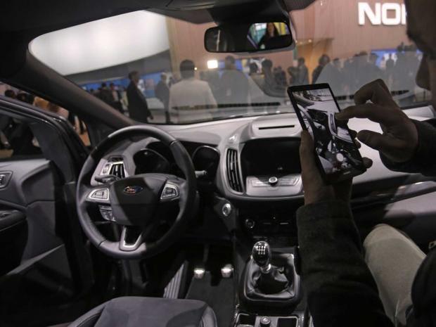 49-Ford-Kuga-SUV.jpg