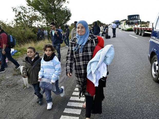 Refugees-walk-Denmark.jpg