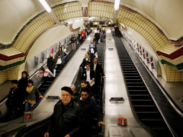 41-london-escalator-get.jpg