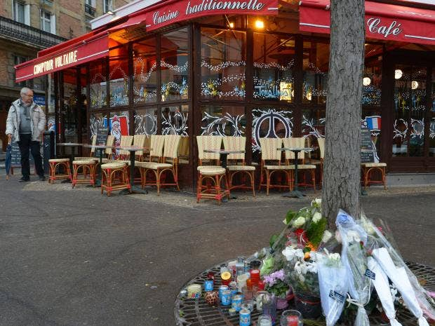 Video of Paris attacker blowing himself up in cafe airs on French TV