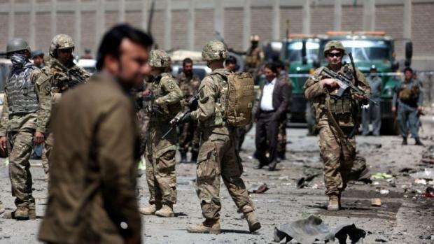 Obama to keep 8400 troops in Afghanistan