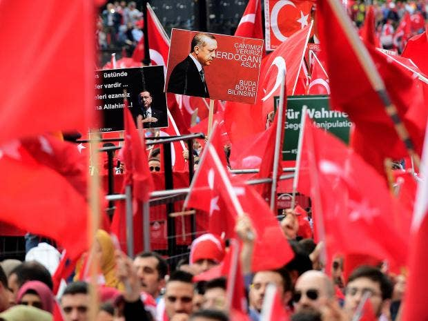 Turkey`s Erdogan accuses West of `supporting coup plotters`