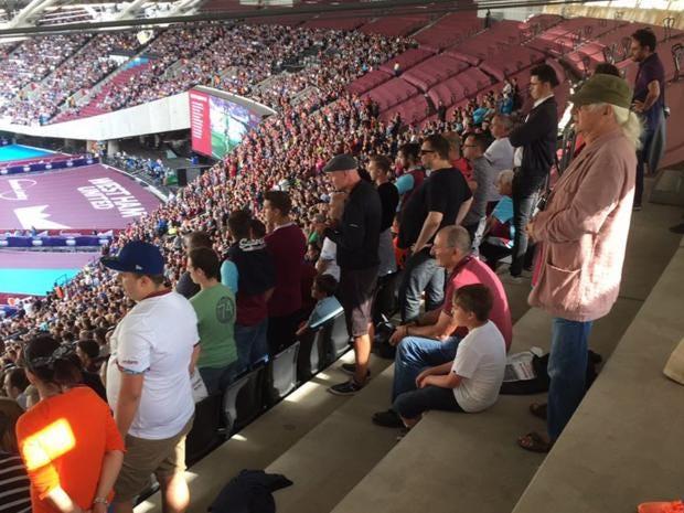 west-ham-fans.jpg
