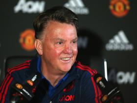 Manchester United transfer news: Zlatan Ibrahimovic could be too old, suggests Louis van Gaal