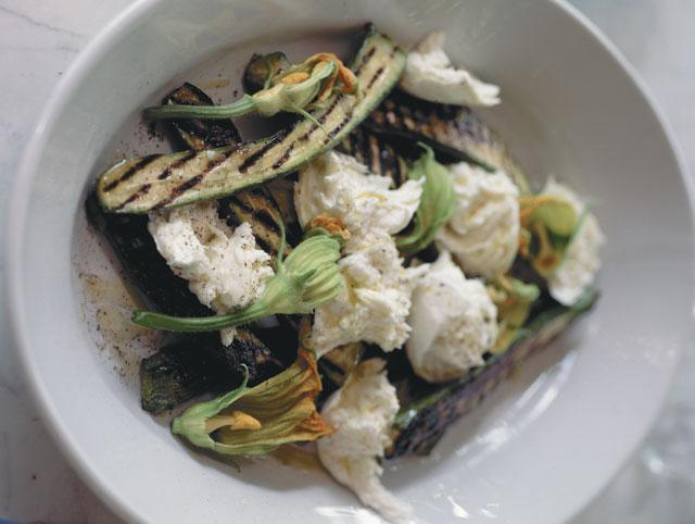 Grilled courgettes with scamorza