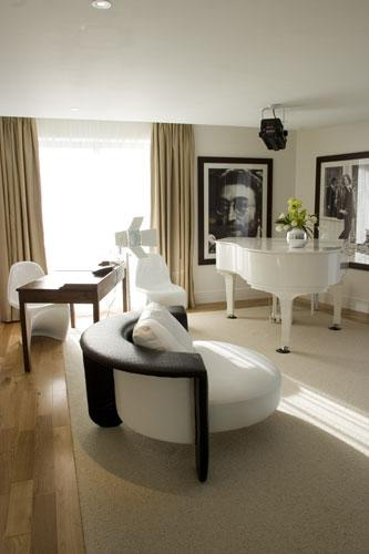 The fab floors: the Hard Days Night Hotel, Lennon Suite