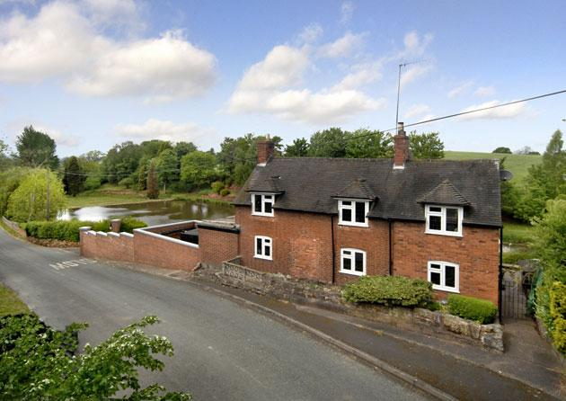 Cottage On The Hill, nr Wolverhampton