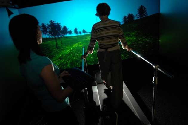 Treadmill-linked images help to hasten patient recovery