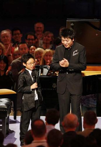 The thing about Lang Lang's playing is  you can resist all you like the flamboyant presentation; you can call his playing precious or merely showy; but it's hard not to be seduced by the sheer brilliance and beauty of what he does