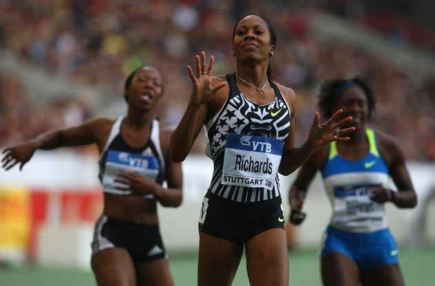 Sanya Richards wins the Women's 200m at the World Athletics finals in Stuttgart