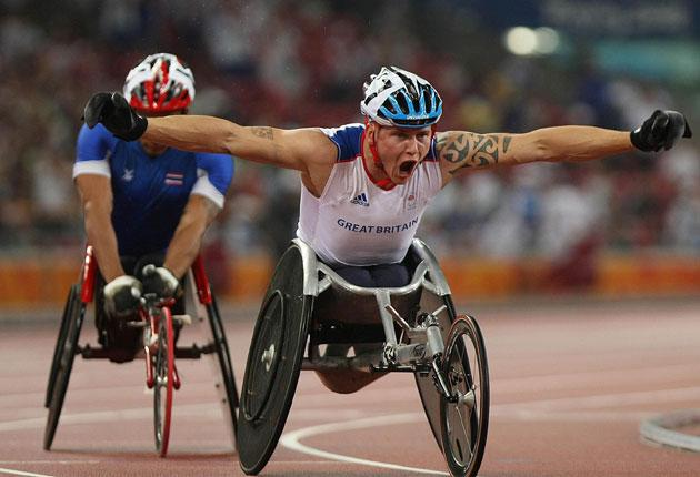 David Weir triumphed in the men's T54 1500m to claim his second middle-distance title after landing 800m gold