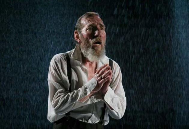 Peter Postlethwaite as a hirsute Lear, wheedling and whining