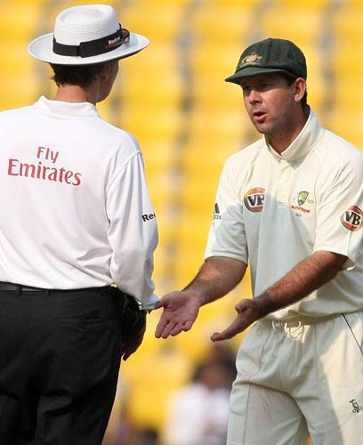 Ricky Ponting , Australia's captain, talks with umpire Billy Bowden during yesterday's incident-packed fourth day of the fourth Test against India in Nagpur