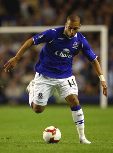 Everton's James Vaughan sustained cartilage damage to his right knee during training last Friday