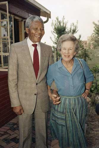 Helen Suzman in 1990 with Nelson Mandela, who she used to visit in prison