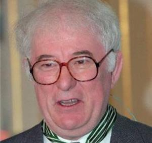 It was two in a row for the Irish in London last night when Nobel prize winning poet Seamus Heaney took home one of the most important UK literary awards.