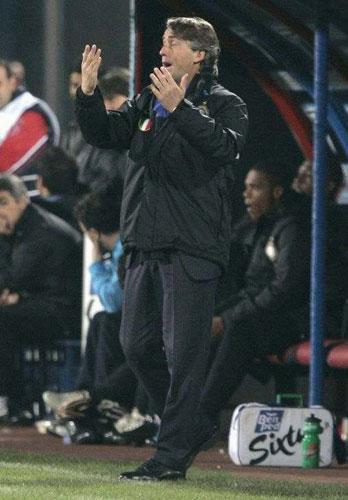 Roberto Mancini is one candidate to succeed Jürgen Klinsmann at Bayern Munich