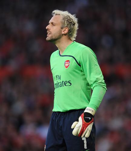 Arsenal's Manuel Almunia could be available to play for England next season