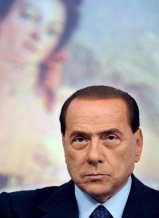 Silvio Berlusconi has issued a point-by-point rebuttal of accusations made by his wife, Veronica, and accuses her of sabotaging his career