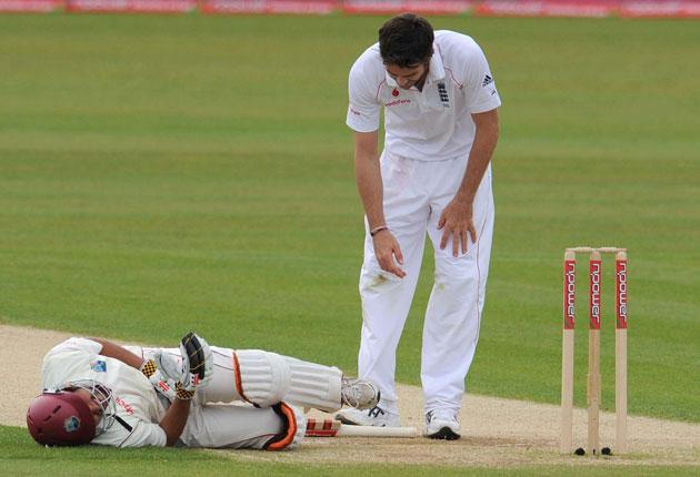 Ramnaresh Sarwan pays a heavy price for keeping England's bowlers at bay, feeling the effects of a James Anderson short ball