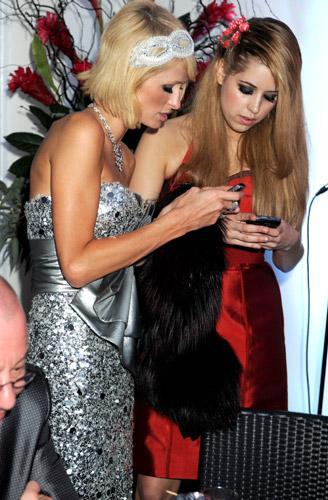 Paris Hilton and Peaches Geldof swap numbers